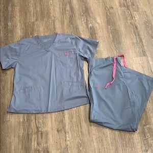 Med Couture Scrub Set-Sz Top L, Pants L Pet *NWOT